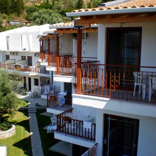 Δωμάτια και ξενοδοχεία για διακοπές στη Λευκάδα, Νυδρί, Περιγιάλι, Αχιλλέας στούντιο, δωμάτια Περιγιάλι Λευκάδα